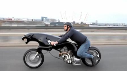 矮子连摩托车都不能开? 捷豹疯狂粉丝, 自制3米豹形摩托车!