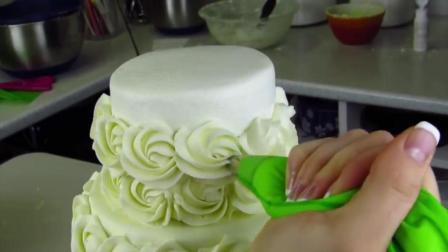 比起吃, 我更喜欢看奶油蛋糕是如何做出来的