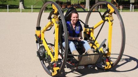 世界上最奇葩的摩托车, 能360度翻滚, 网友: 晕skr人!