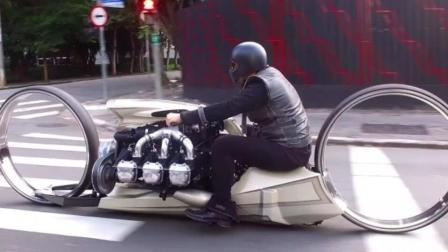 摩托车安装飞机发动机, 车轮就是圆圈, 网友: 怎么拐弯?