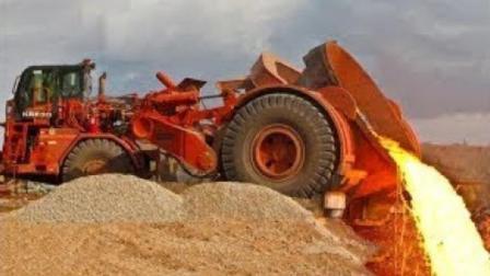 装岩浆的火锅车, 能拉100吨, 网友: 什么等级的驾驶证?