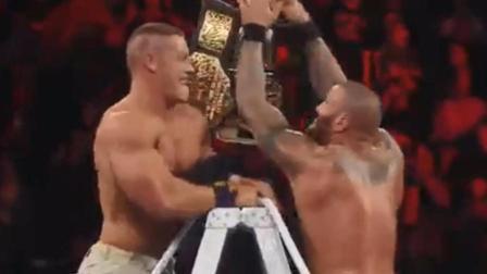 "WWE: 约翰塞纳兰迪奥顿争夺双料冠军, 互相出损招""陷害""对方!"