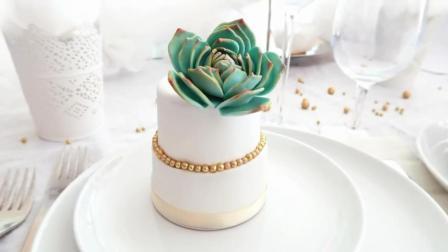 普通的蛋糕10块钱, 甜品师把它变成了多肉盆栽, 放到餐厅卖100元