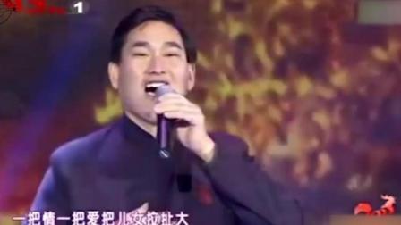 朱之文动情演唱《疼爱妈妈》, 眼含热泪, 孝心满满!