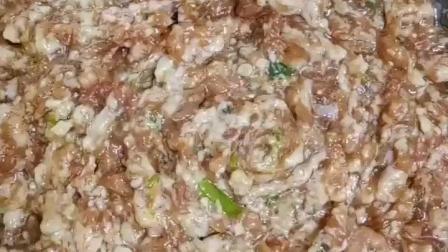 好吃的肉馅是各种馅饼类食品的灵魂, 教大家做一个不输饭店肉馅的做法