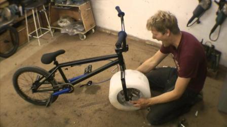 自制冰块车轮, 需要出动直升机, 只能在雪山上骑?