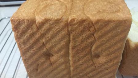 吐司面包新做法, 不用二次发酵, 依然蓬松柔软香甜拉丝