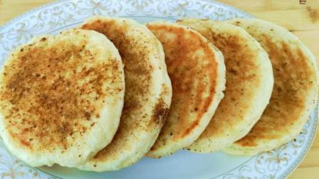 烧烤店2块钱1个的烤饼, 在家2块钱做10个, 做法超简单, 吃着真香
