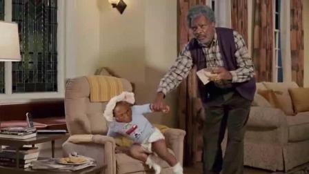 爆笑方言: 小孩在家的恶作剧, 差点把爷爷气晕, 笑得踹不过气