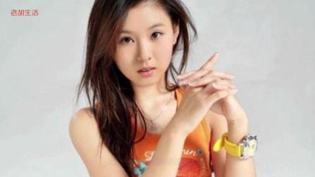 """她是冯巩的""""千金"""", 33岁长着18岁的脸, 老公为她不接吻戏"""