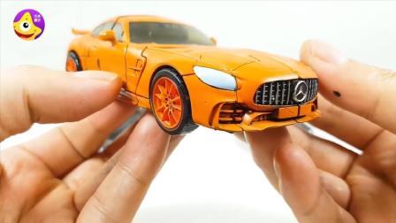 变形金刚奔驰AMG跑车霸气机器人玩具 双刀日本武士漂移登场