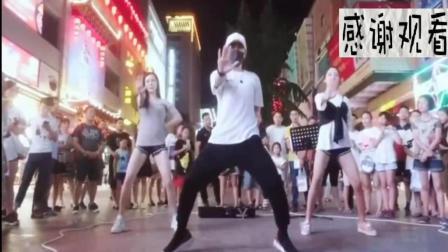 最近火爆洗脑神曲《隔壁泰山》街头舞蹈版