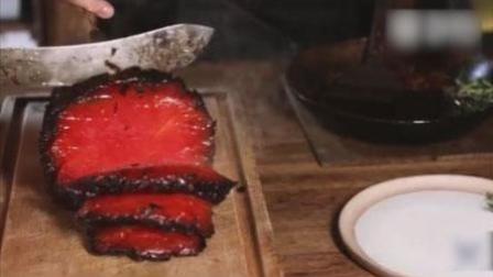"""火龙果传媒 第一季 纽约餐厅推出""""烟熏西瓜"""" 酷似烤肉引争议"""