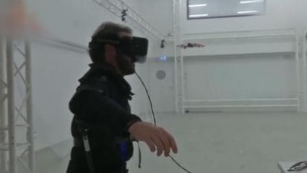 嘿科技 用身体控制无人机!