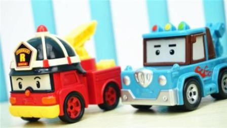 变形警车珀利的合金版迷你汽车玩具