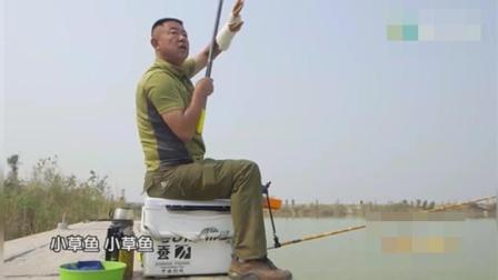 视频-钓鱼这鱼钓的真任性, 穿了一大串! 2