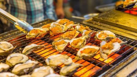 街边生蚝烧烤档, 卖一个生蚝能赚多少钱? 今天可算知道了