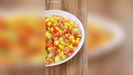 非常简单的火腿肠炒玉米, 做多少都不够吃