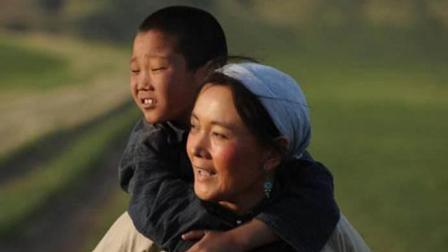 最美童声《梦中的额吉》送给伟大的妈妈, 音乐响起, 震撼人心!