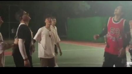 中国新说唱录制完后吴亦凡和选手打球, 那吾克热