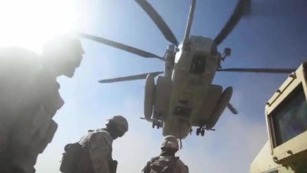"""实拍""""海上种马""""直升机强悍运载测试  步兵装甲车直接吊走"""