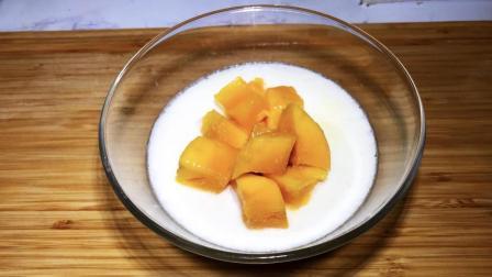 一个芒果, 2个鸡蛋, 一包牛奶, 做一个美味甜品, 奶香味十