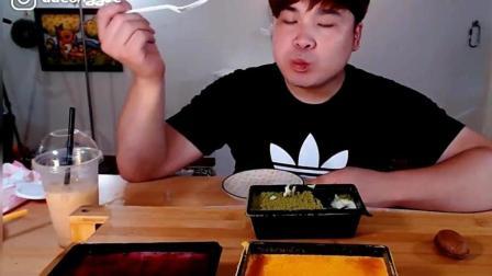 美食吃播: 小胖子吃播绿茶和南瓜提拉米苏蛋糕, 这次有点少啊