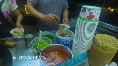 """安徽这条老街, 当地美食好吃还便宜! 曾被评为""""舌尖上的中国"""""""