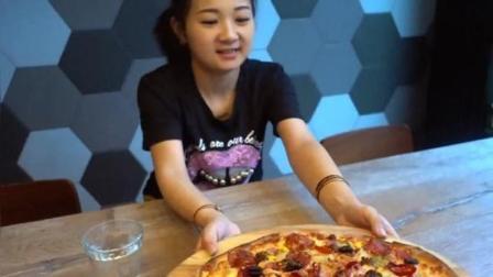 小猪猪三里屯儿走一遭, 吃个下午茶, 一张披萨竟然有这么多原料?