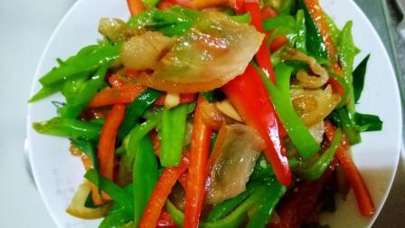青椒炒腊肉这样的做, 咸香诱人, 可以令人食欲大增