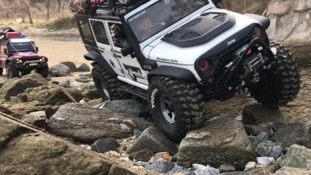 攀爬车 Traxxas TRX-4 Defender 和 Axial SCX10 II 岩石挑战