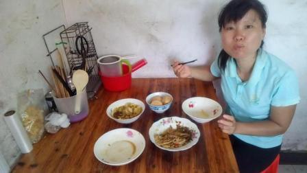 好好喝粥吧 南瓜粥+粗粮小馒头+酸辣空心菜+肉炒藕片+炒圆包菜 家常菜好吃