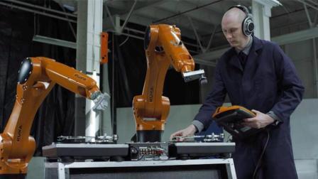 全部由机器人组成的乐队, 气势不输人类, 多少人要失业?