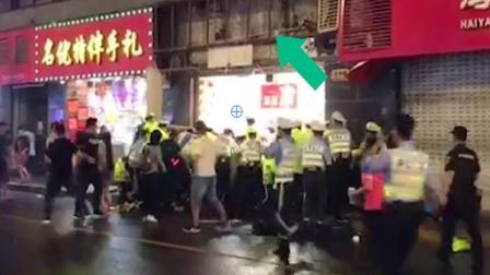 上海南京东路一商铺招牌脱落砸中9人 事故致3死6伤