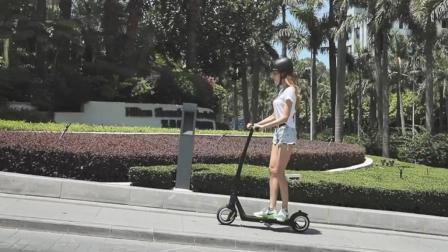 骑上这款炫酷的空轮滑板车, 未来感十足让你成为人群焦点