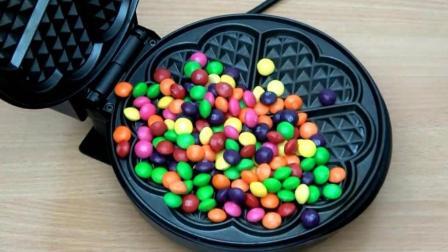 MM彩虹糖豆遇上电饼铛会变成啥样? 网友: 你肿么了? 我的豆!