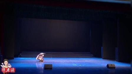 这段蒙族舞, 小姐姐跳出了力与美的韵律, 肩胯合一舒缓大气!
