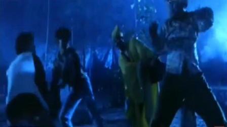 僵尸先生: 林正英想用水来对付楼南光, 原来水也可以对付僵尸!