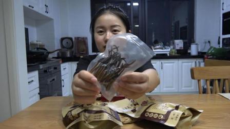 藏族朋友太客气了! 给我们送来了大礼, 几十根虫草和昂贵的藏红花