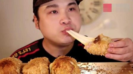 韩国大胃王吃芝士炸猪排, 鲜嫩多汁, 让人口水直流!