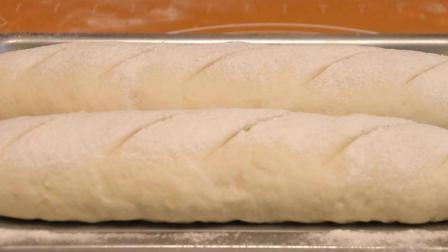 法棍面包的做法, 掌握这几种技巧, 轻松做出表皮焦脆, 内里柔软组织丰富的法棍面包