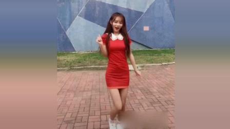 女朋友一袭红裙热舞, 必须给满分!