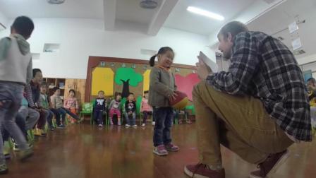 幼儿园就有外教教英语, 果然教育要从娃娃抓起, 厉害了!