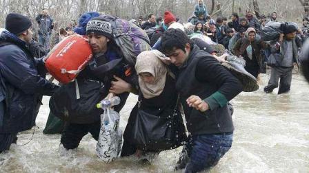 欧洲媒体愚弄公众, 摆拍难民博取同情