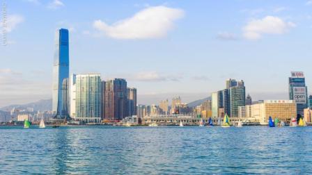 只要几块钱, 就能在海上欣赏香港维多利亚港的世界三大夜景啦!