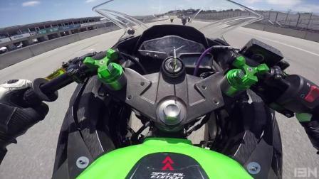 忍300賽道復出! 驚見全新Ducati Panigale V4摔爛... (Ninja 300)
