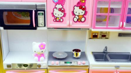 Hellokitty 凯蒂猫学做营养便当 煮菜前记得要洗干净