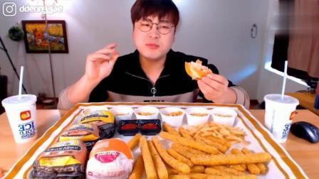韩国大胃王吃播豪放派donkey弟弟吃5个汉堡, 炸芝士薯条, 喝可乐