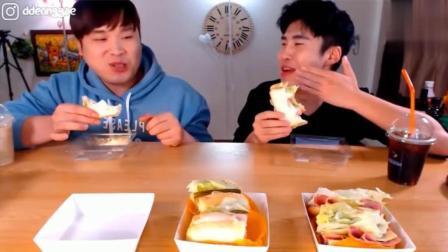 韩国吃播: 豪放派大胃王donkey兄弟吃三明治夹心面包, 喝咖啡奶茶