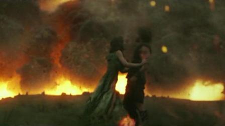 地球火山爆发引发地震, 男女相拥而死, 1000年后被发现变成雕像
